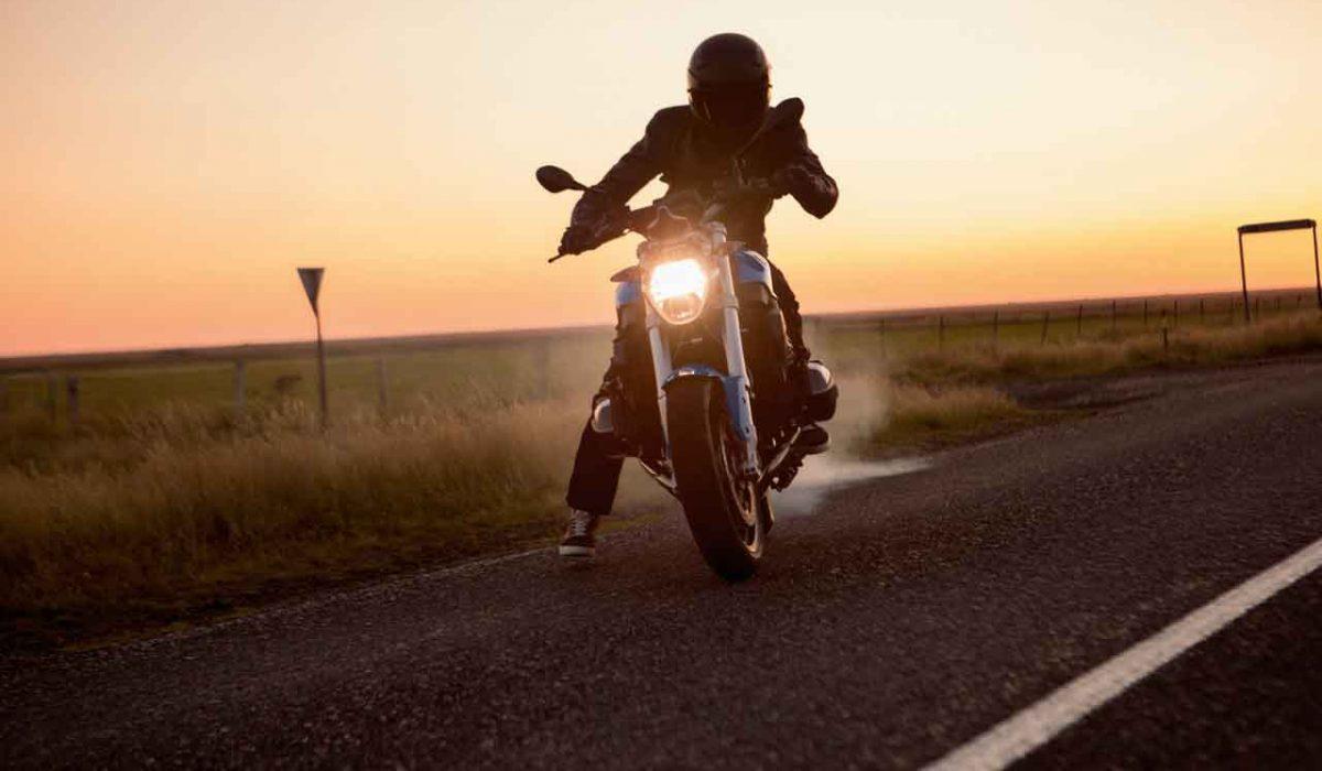 Diez consejos para viajar en moto este verano