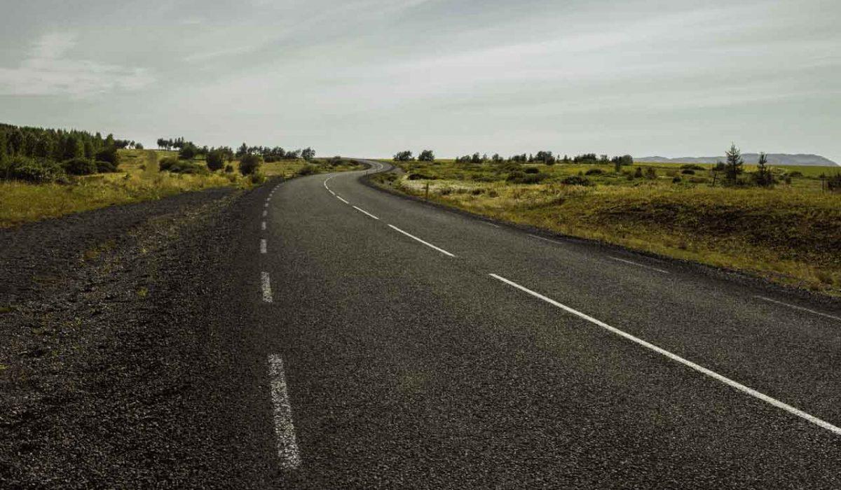 Consejos para afrontar un viaje de largo recorrido en moto