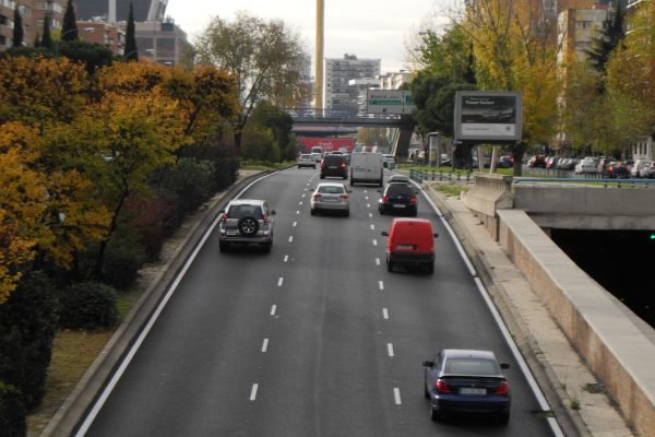 ¿Cómo y cuándo puedo circular por Madrid con mi moto?