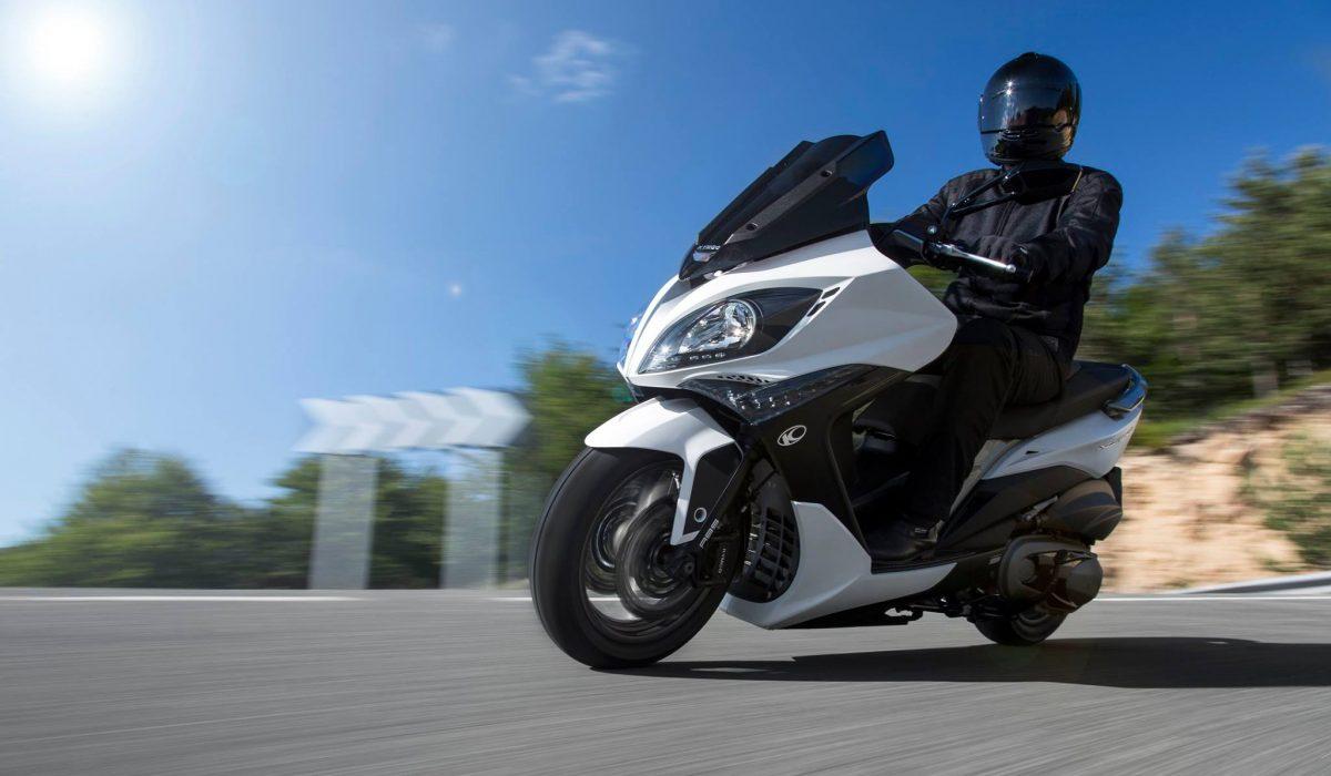 Cuida tu equipamiento y conduce seguro sobre dos ruedas