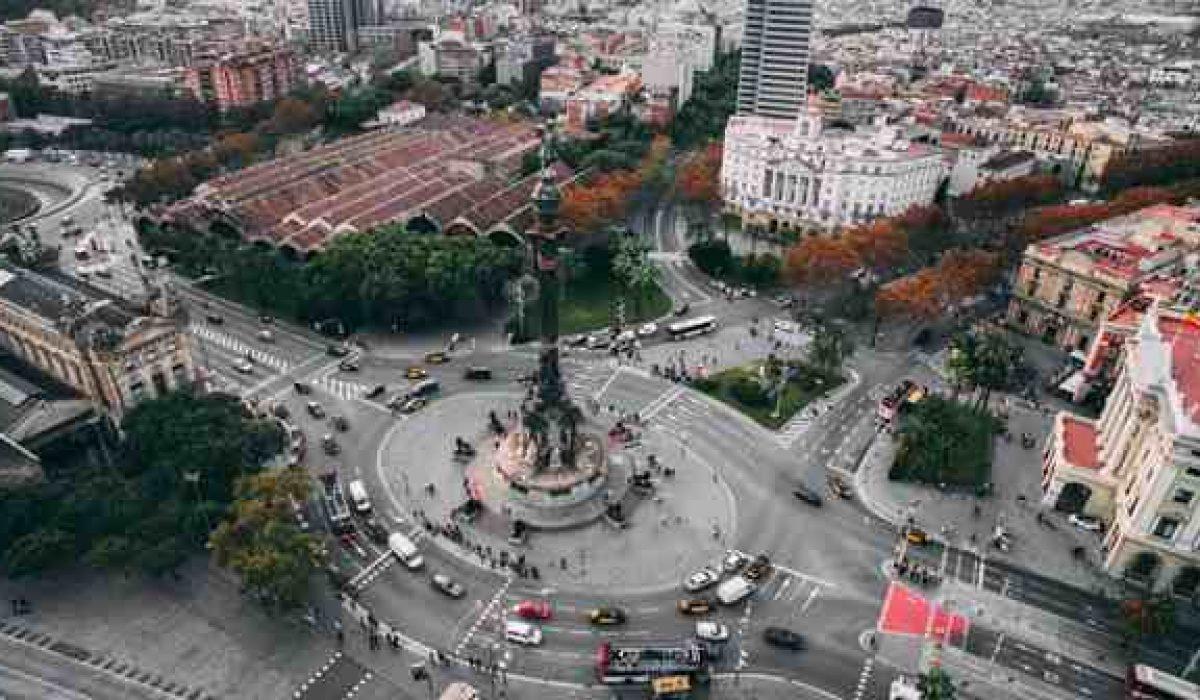 Barcelona debe repensar sus políticas de movilidad y seguridad vial para proteger a los usuarios vulnerables tras el fallecimiento de un motorista al golpearse con un muro de hormigón de nueva creación
